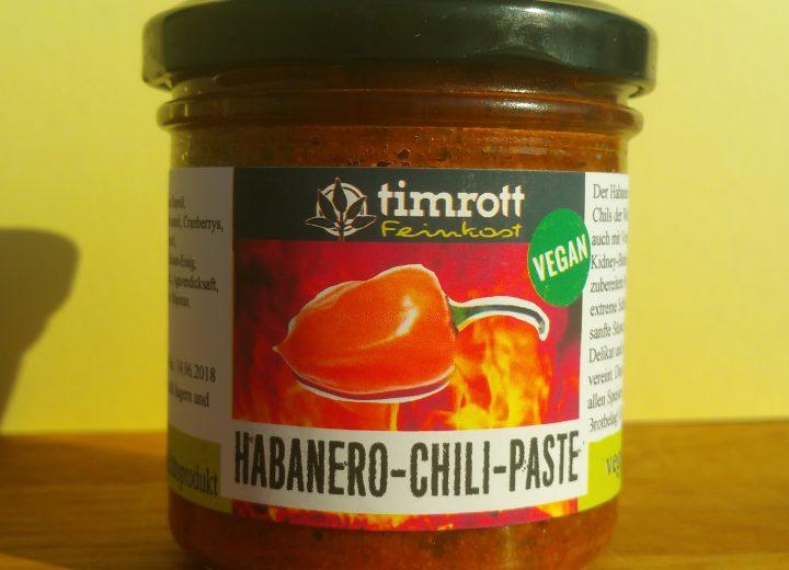 Habanero-Chili-Pesto mit Cranberrys und Hanfnüssen